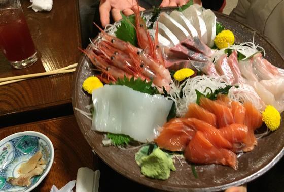 日本海の海の幸が詰まったお刺身
