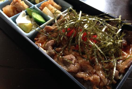 杜仲豚の焼肉弁当