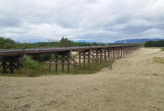 「流れ橋」と言われる由縁