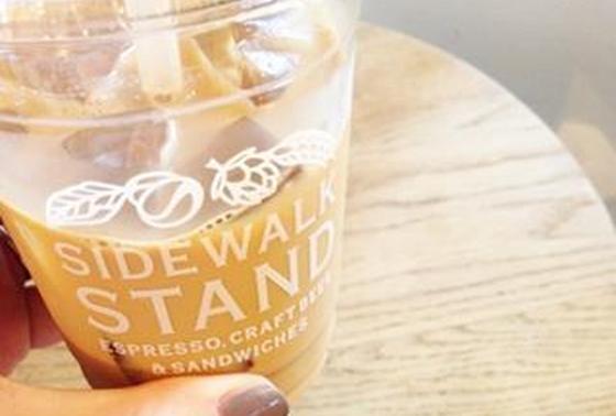 SideWalkStandのアイスカフェラテ