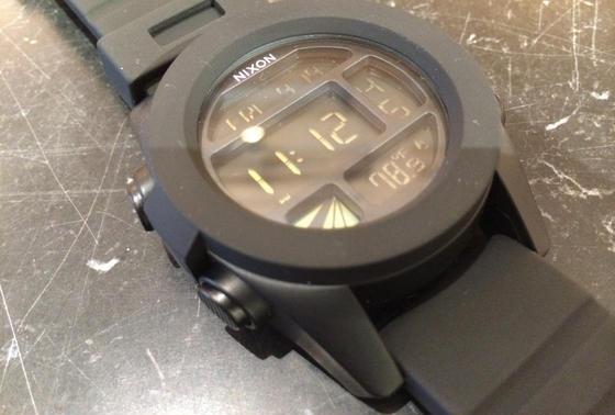 NEXSONの時計