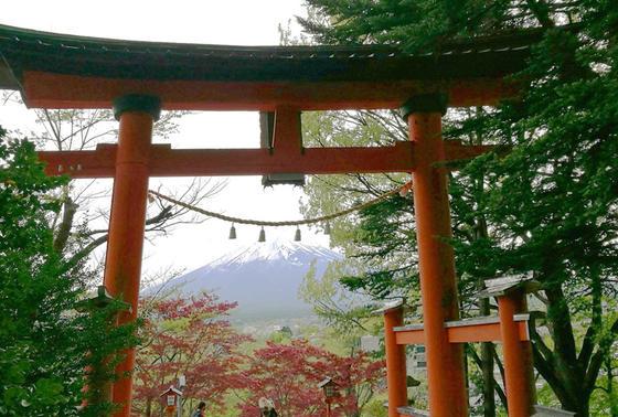 新倉山浅間神社(あらくらやませんげん)