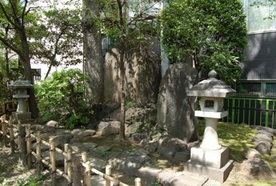 吉田松陰終焉の地碑