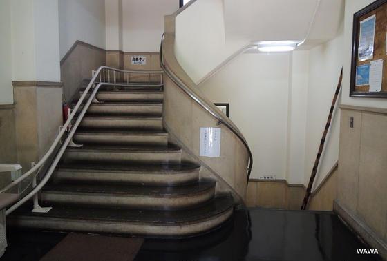 日本基督教団浪花教会の階段