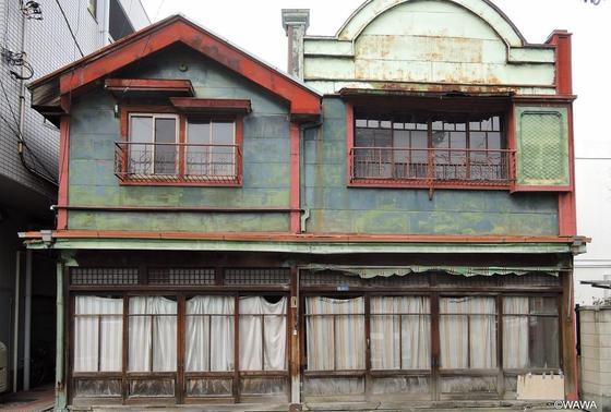 銅版貼り看板建築