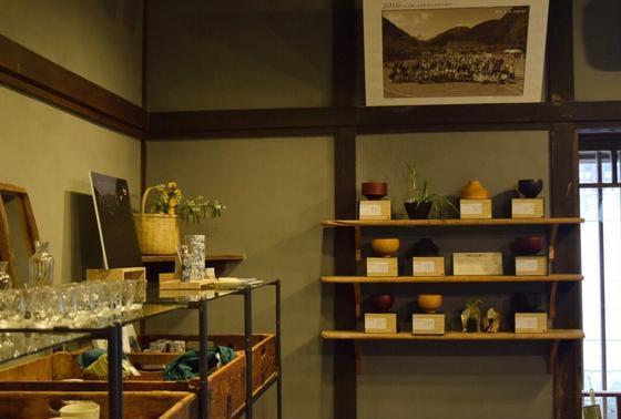 島根県の食品や食器なども