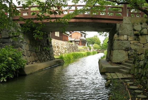 一番川面に近い小路