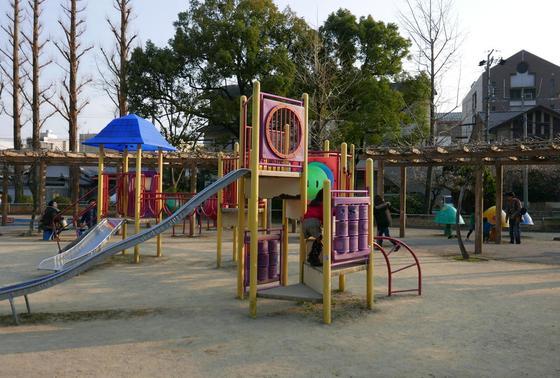 児童公園もあります