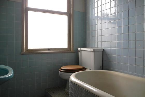 驚きのバス・トイレ
