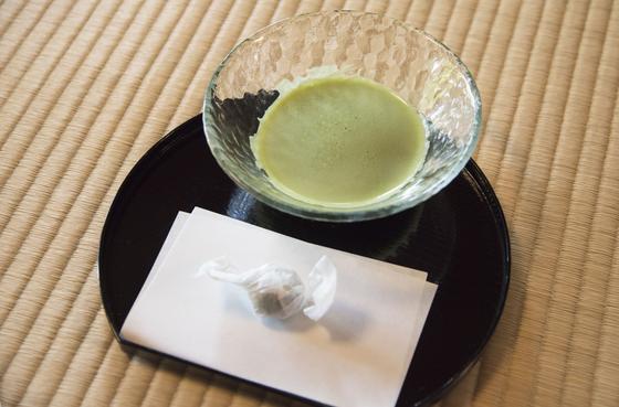 抹茶とお茶菓子
