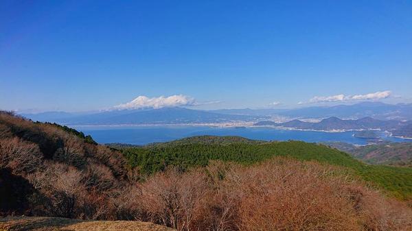 間近の富士山