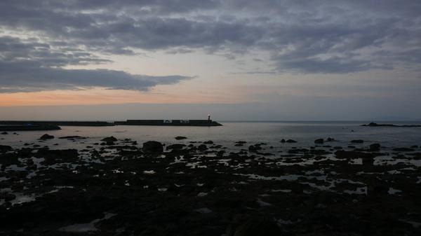 夜明け前の土佐の海