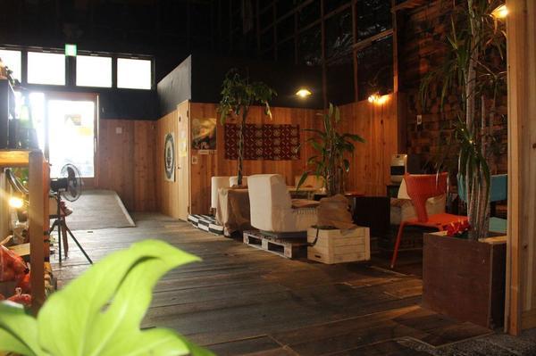 倉庫を改装した開放感ある空間!