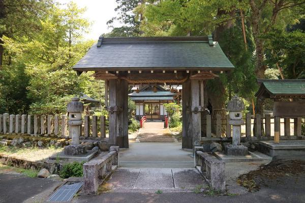 Main gate (Sanmon)