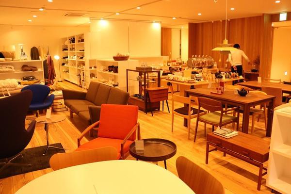 家具の販売スペースも