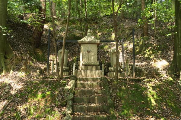 金太郎のお墓