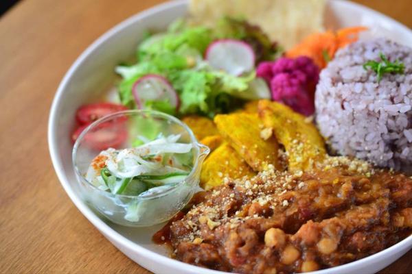 水や小麦粉を使わず野菜のみで作るmusumiフレッシュカレー