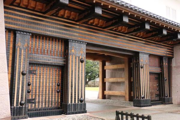 金沢城の正門、橋爪門が130年ぶりに復元!