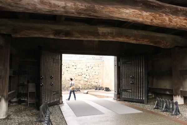 最後の石川門を抜ければ