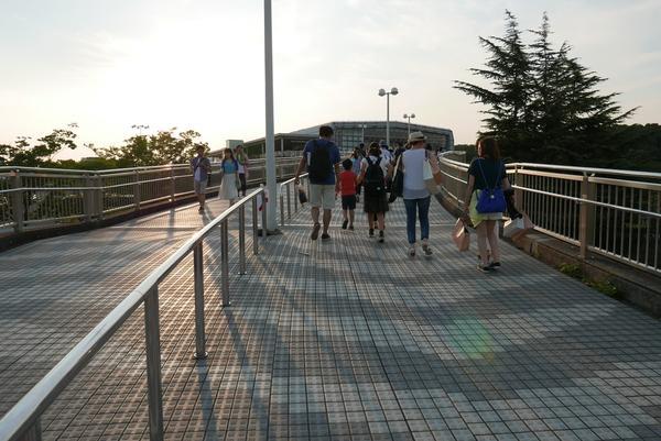 大阪モノレールが便利
