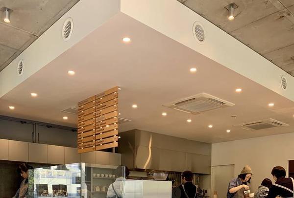 ブルーボトルコーヒー(Blue Bottle Coffee)青山店の写真・動画_image_316175