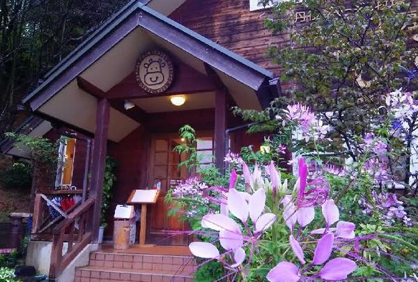 お花に囲まれた工房&カフェはこちらから