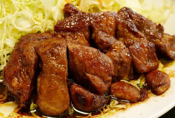 四日市トンテキ発祥の店で大とんてきを食べよう