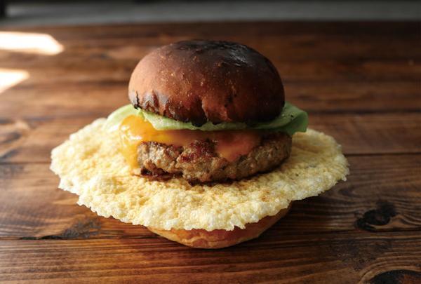 UFO Burger & Sandwich CAFE