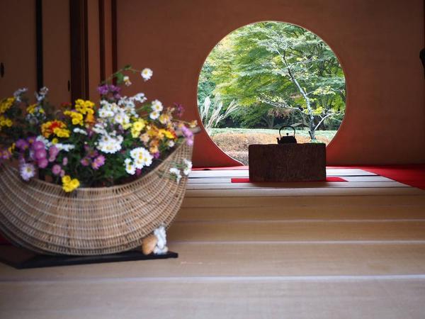 円窓からのぞく景色