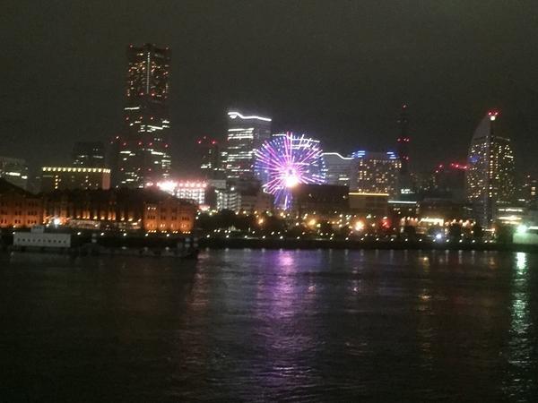 横浜の美しい夜景を