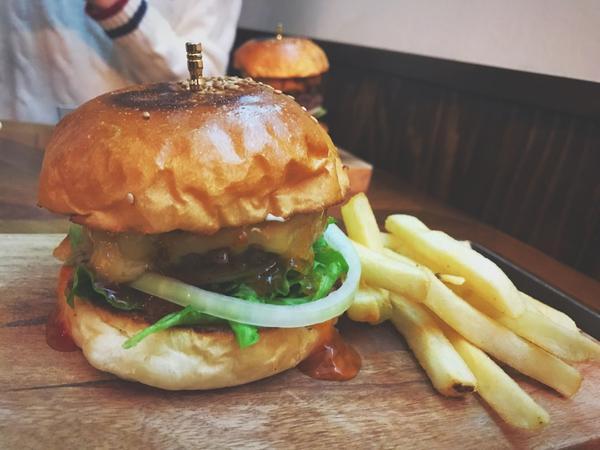 ボリューミーなハンバーガーまで!