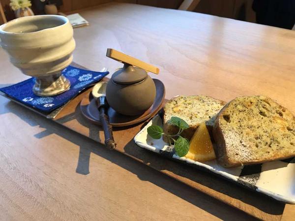 紅茶ケーキとコーヒー☕️