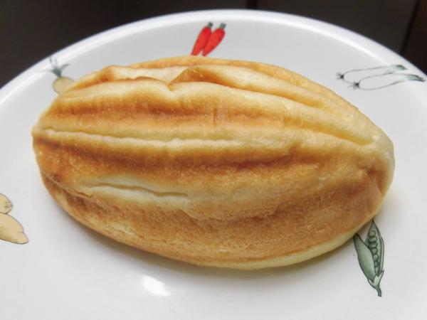 紡錘形のメロンパン