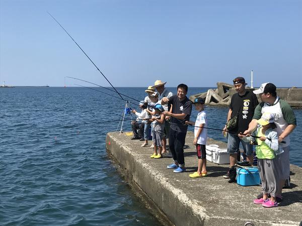 海釣り体験教室の風景