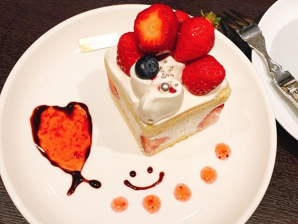 プレミアムショートケーキ 470yen
