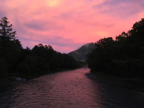 河童橋から見る朝焼け