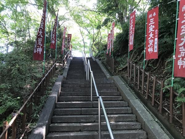 階段は付き物です。