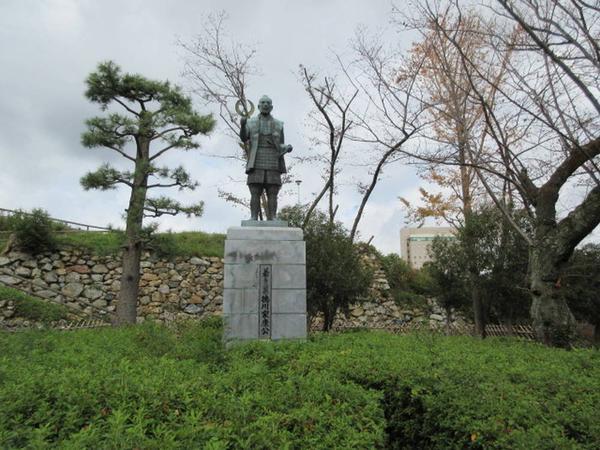 徳川家康像