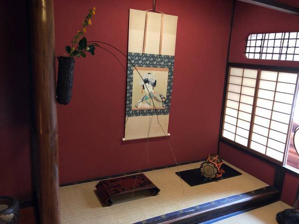 お茶屋さんで使われていた物が展示されています。
