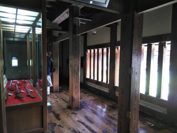 竪格子窓(武者窓)