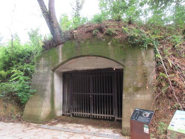 姫路海軍航空基地跡の爆弾庫跡