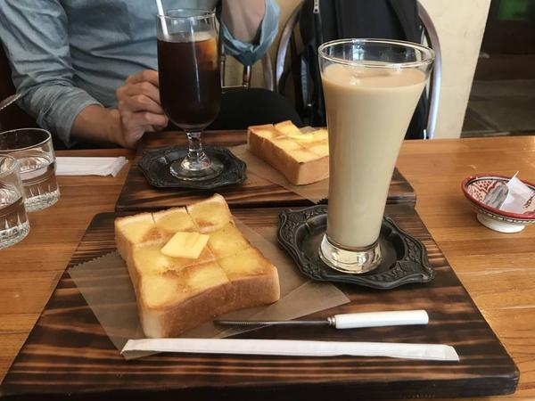 ドリンクはカフェラテに。