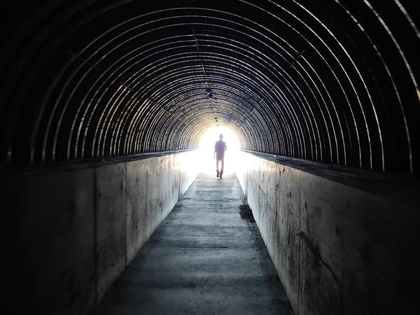 ひんやり涼しいトンネル