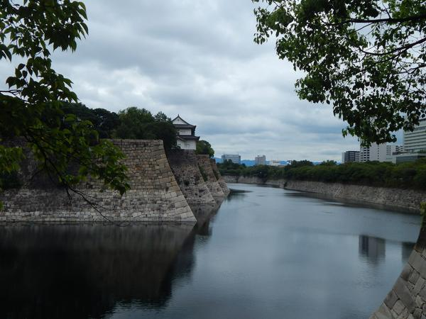 南外濠から六番櫓を望む