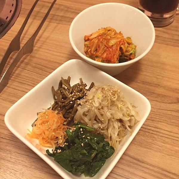 ⚫︎白菜キムチとナムル盛り合わせ
