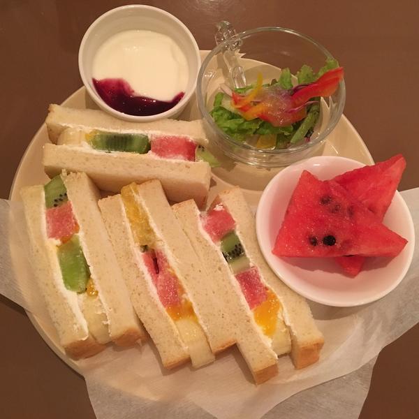 フルーツサンドランチ ¥1,100