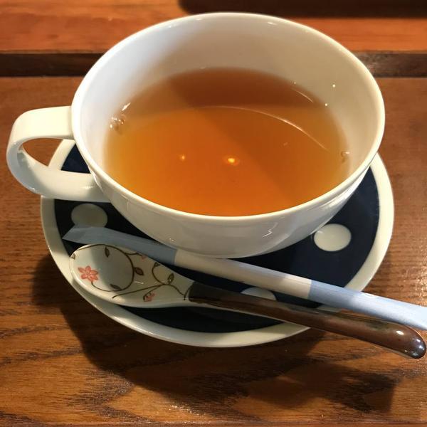 食後には嬉野茶の和紅茶を🧡