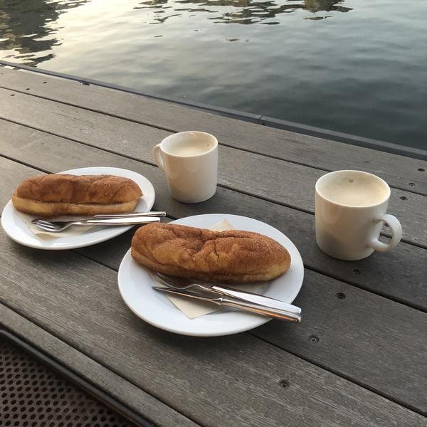 シナモンシュガー揚げパン