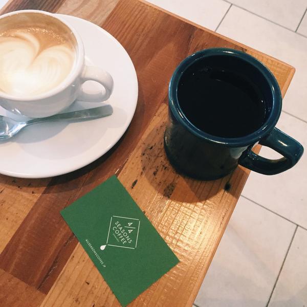カフェラテとドリップコーヒー