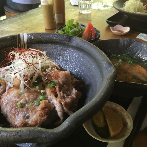 塩麹黒豚丼